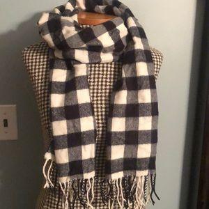 D&Y winter scarf